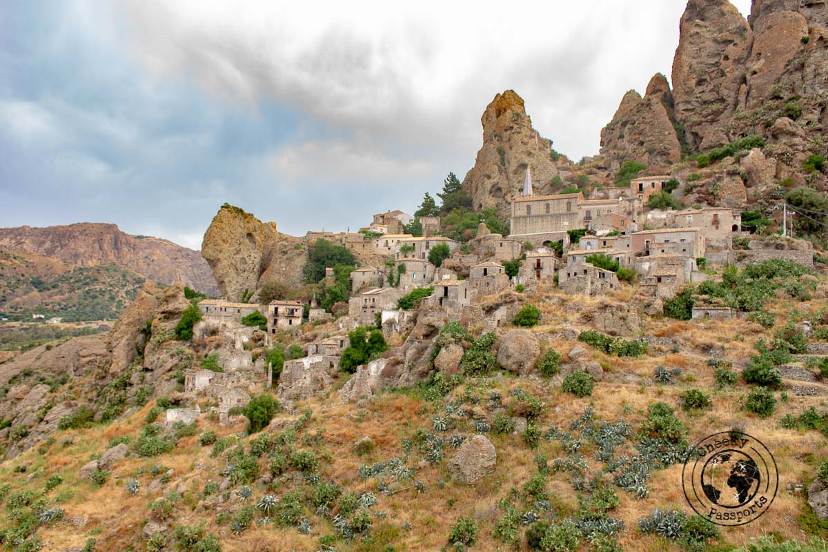 The ancient hamlet of Pentadattilo - Things to do in Calabria