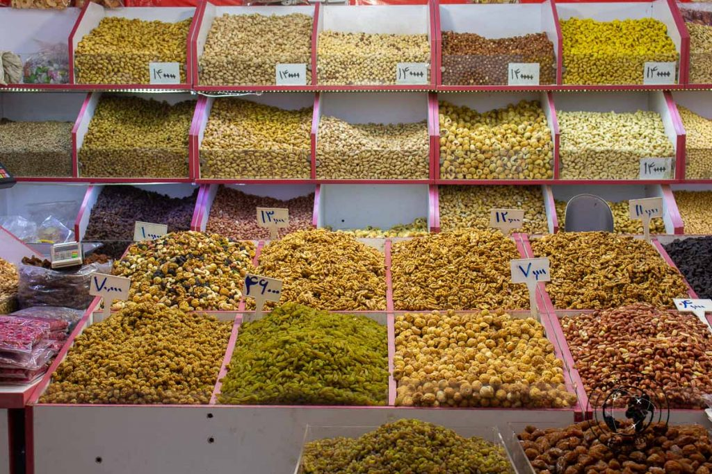 Delicacies at the Tehran bazaar - What to do in Tehran