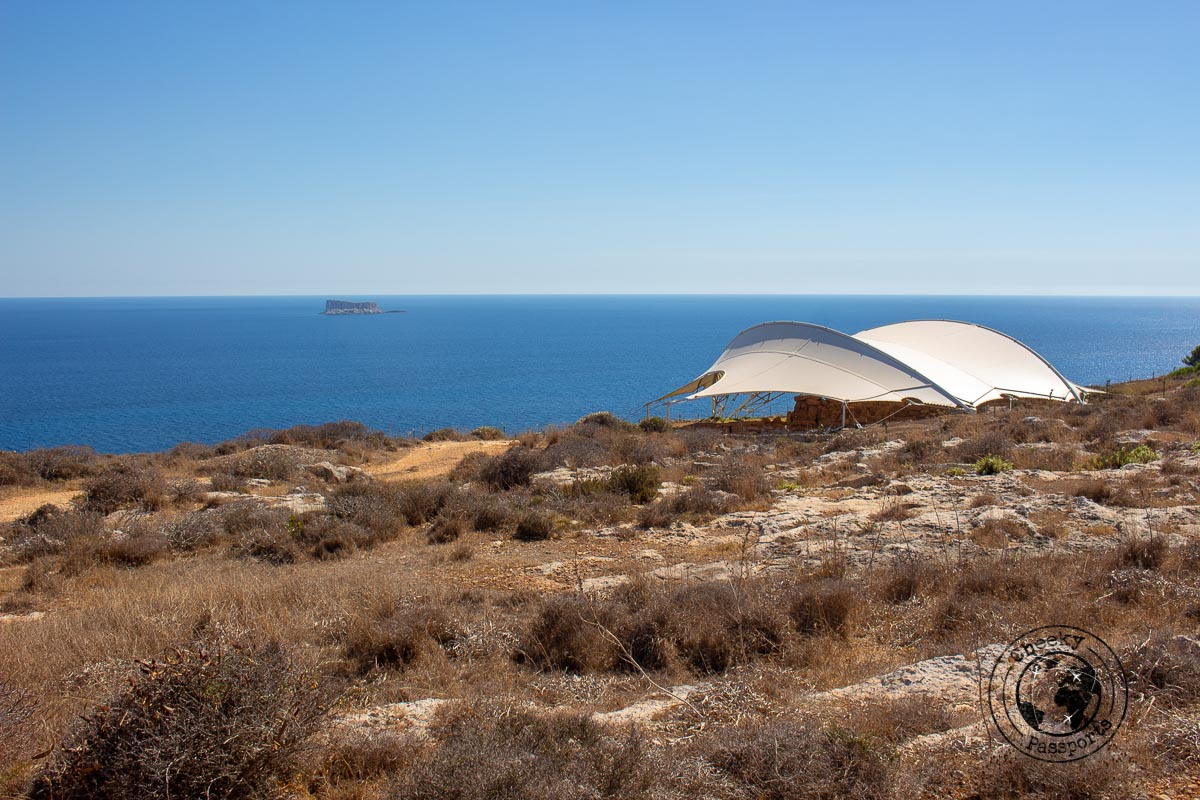 The setting of Mnajdra temple, an obligatory stop on your Malta itinerary