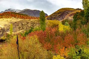 The scenary at the Alamut Valley - best things to do in Qazvin