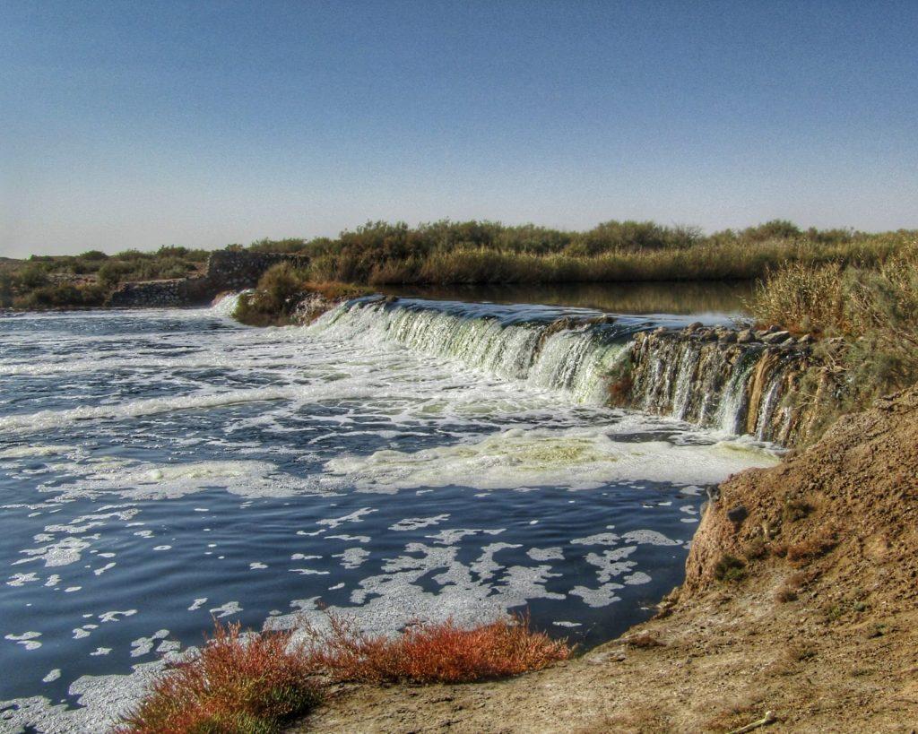 Gold in the Varsaneh Desert - a fresh water spring