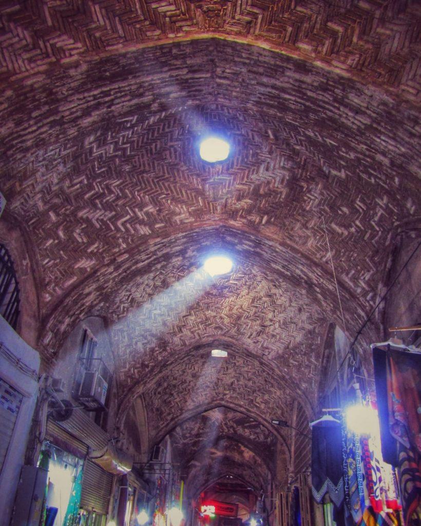 Light rays at the Bazaar-e Bozorg in Isfahan