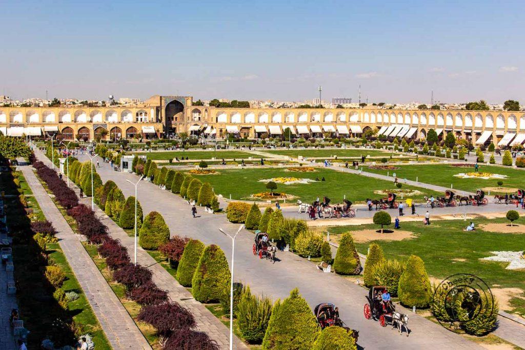 Naqsh-e Jahan Square - the main square in Isfahan