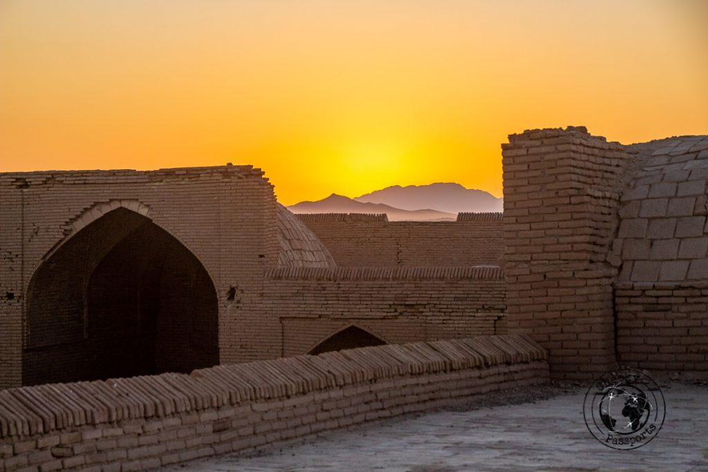 Sunrise over the Varzaneh Caravansarai