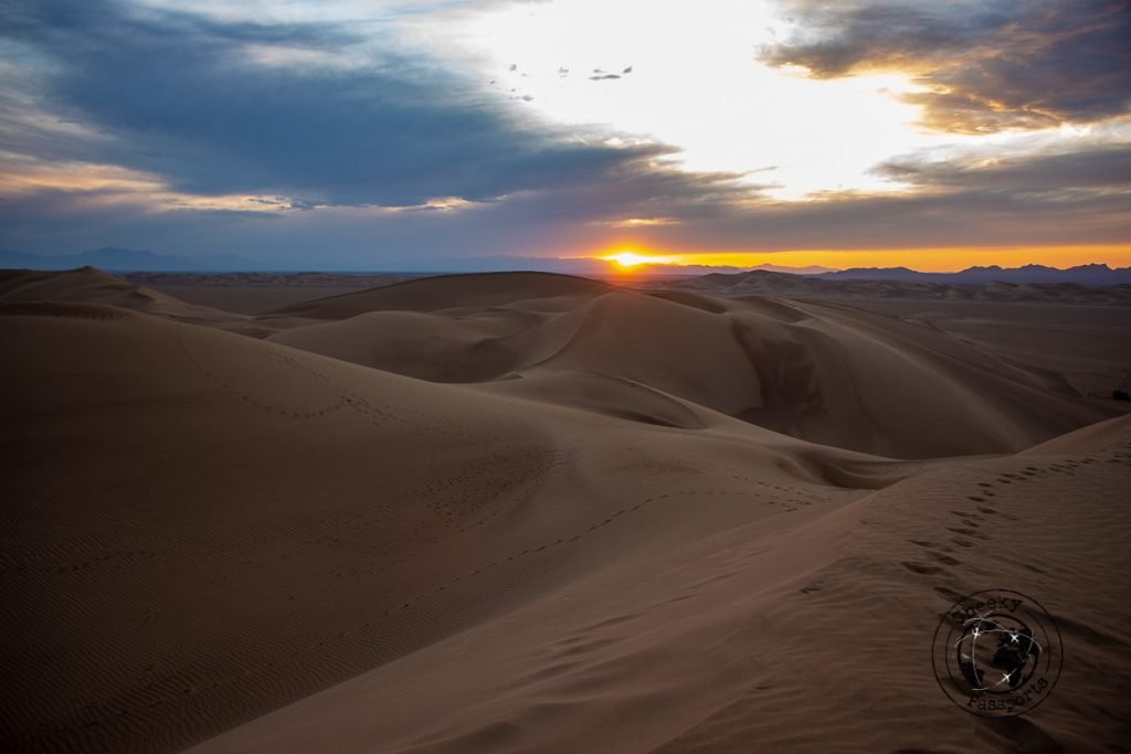Sunset over the Varzaneh dunes