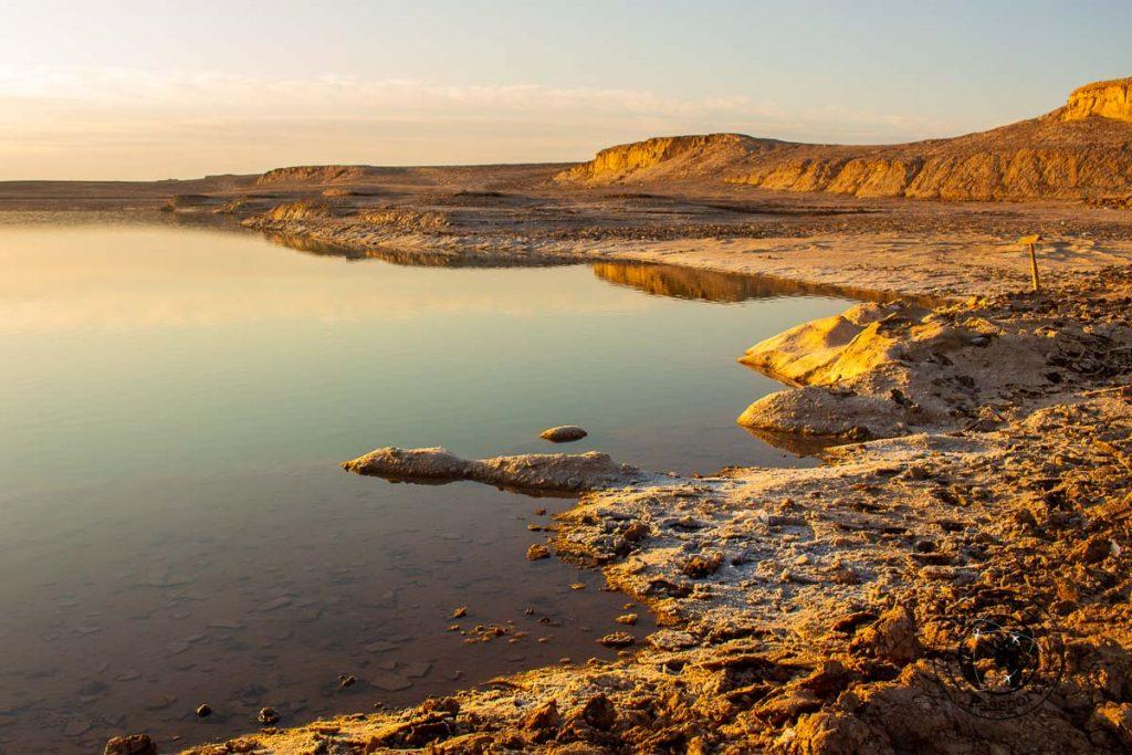 Salt lake of the Kaluts desert