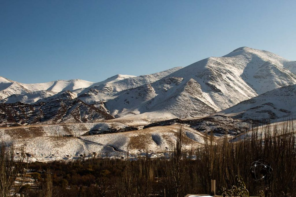 Abyaneh mountains on your Iran itinerary